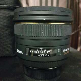 Sigma 50mm EX DG HSM