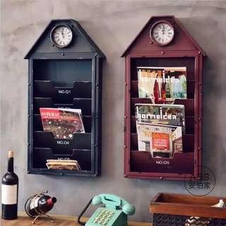 🚚 【ABS安伯家】美式LOFT工業風復古牆面裝飾雜誌收納壁掛酒吧咖啡館辦公室家居牆壁掛鐘