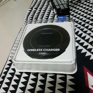 Samsung Wireless Fast Charger Stand..Brand New