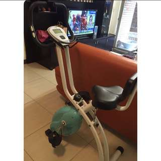 La~fit健身腳踏車(非常新)二手