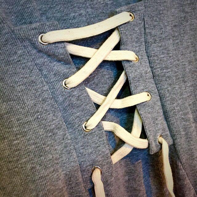 背後馬甲繩小性感上衣✨
