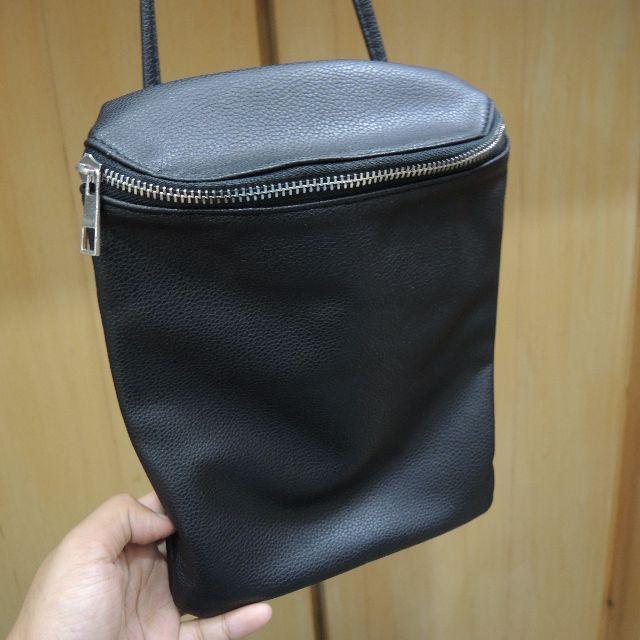 黑色 水桶 斜背包