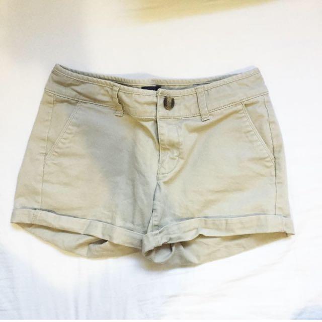 AE Kaki shorts