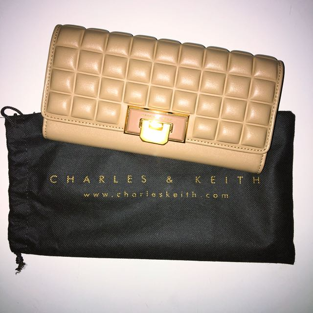 NEW👛Charles & Keith wallet