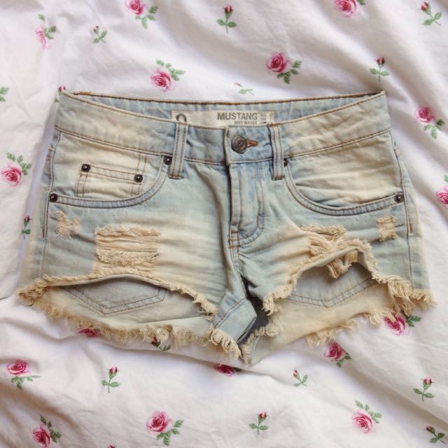 Factorie Distressed Mustang Denim Shorts Size 6