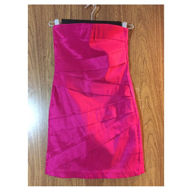 REDUCED WAS $15, NOW $10 - HOT PINK STRAPLESS DRESS FROM FOREVER 21 - SIZE MEDIUM - NEVER WORN OUT!
