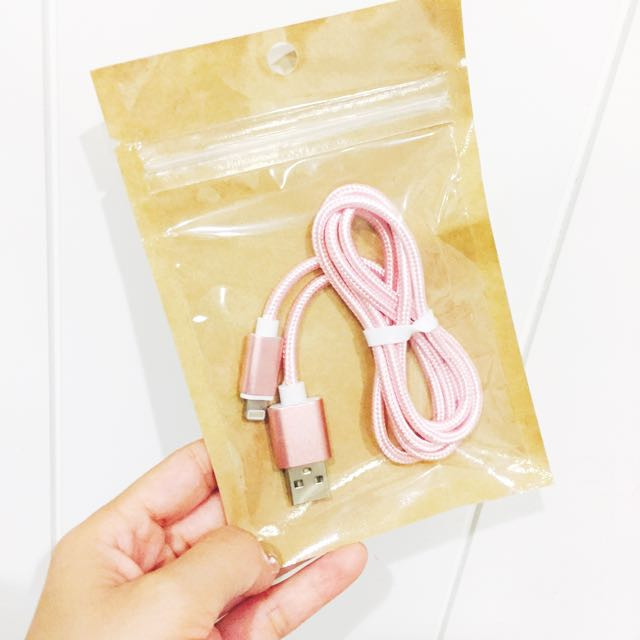 iPhone 線 Use 粉紅色