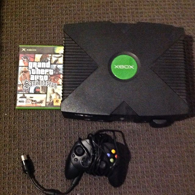 Xbox With Cables And Controller+ Gta San Andreas