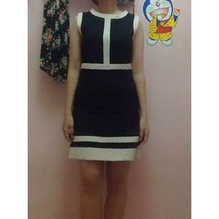 Medium Black Dress