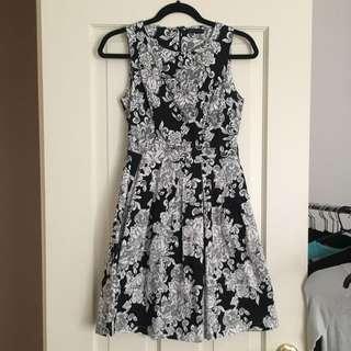 Barkins Size 8 Dress