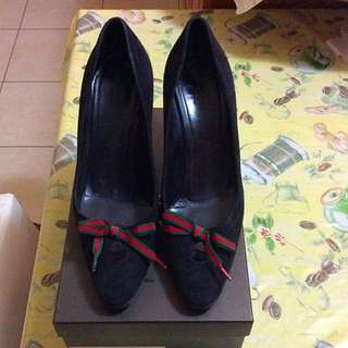Gucci Suede Heels Size 40C