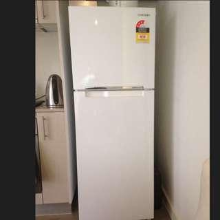 * ON HOLD* SAMSUNG 255L Fridge - Freezer
