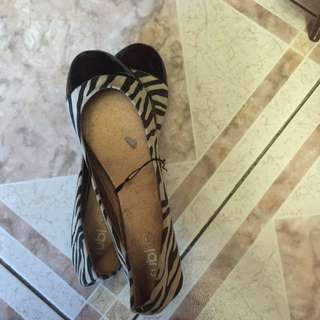 Zebra Size 10 Flats