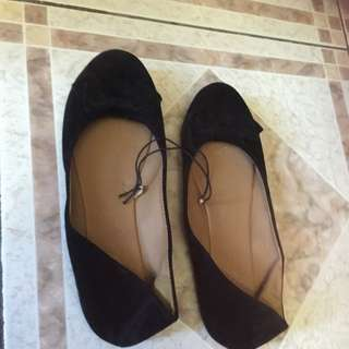 Velvet Look With Bow Black Coloured Flats Size 10