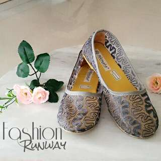 DISKON LEBARAN !!! Baby Gray Lace Flat Shoes