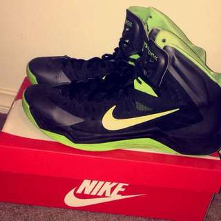 NIKE HYPER QUICKNESS basketball Shoes