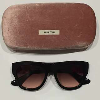 MIU MIU SMU 05P 1AB-1E2 black authentic sunglasses with case