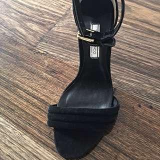 Brand New Tony Bianco Heels