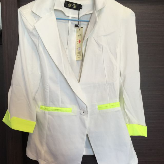 降價啦~白色配螢光黃紡紗西裝外套#三百元外套