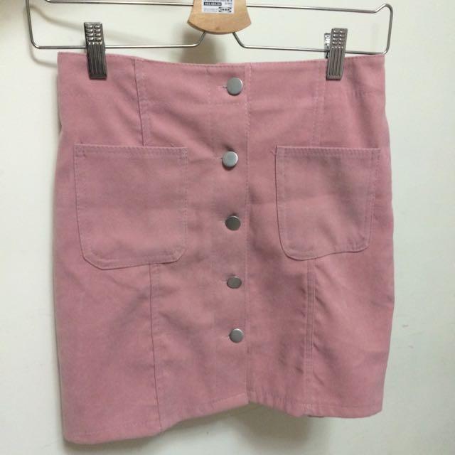 粉色排扣短裙
