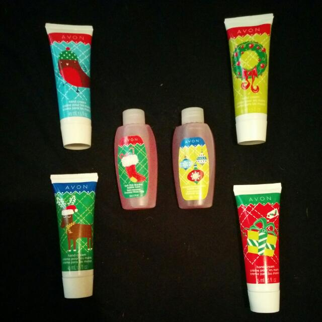 Avon Limited Edition Christmas Hand Cream And Bubble Bath Set