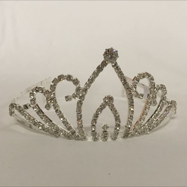 Brand new beautiful Rhinestone tiara