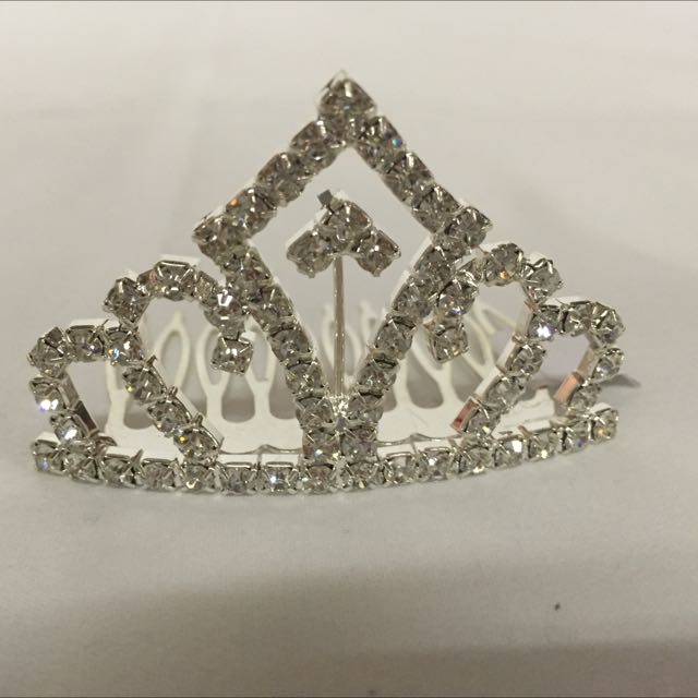 Brand new beautiful tiara comb