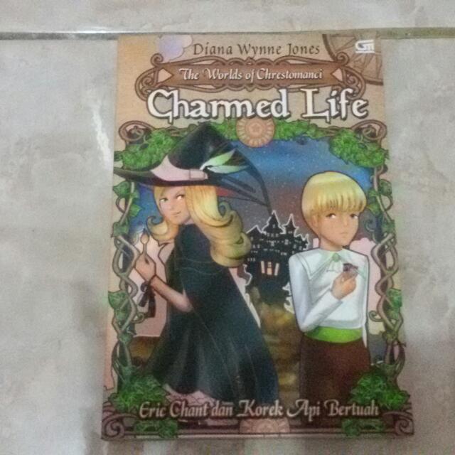 buku keluaran gramedia judul : charmed life