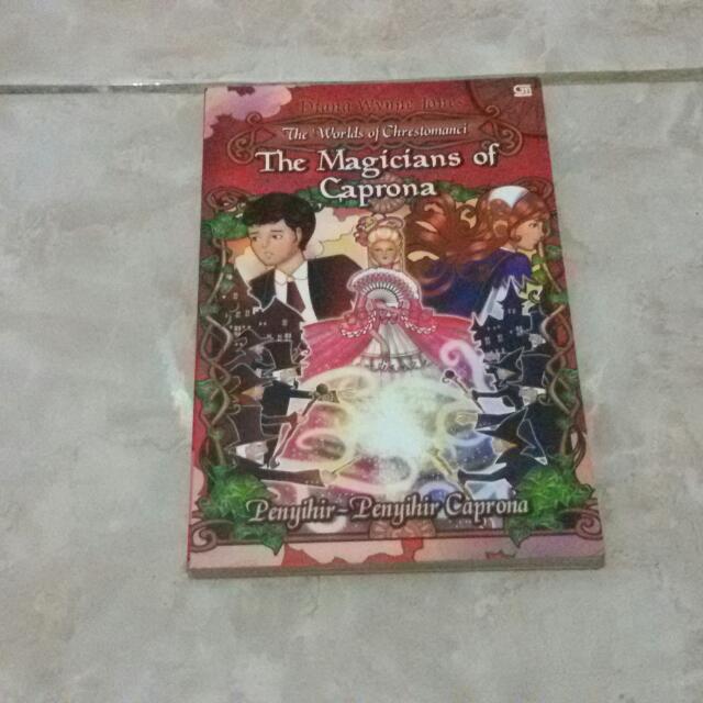 buku keluaran gramedia judul : the magicians of caprona