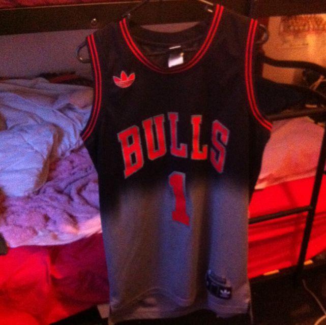 Prize Dropped!! Bulls Jersey, S
