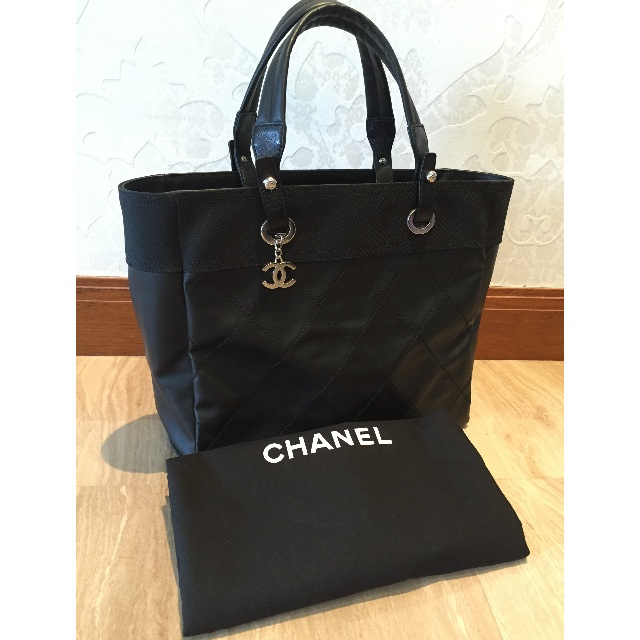 4a4eb74c88 CHANEL Paris Biarritz Tote - Medium, Luxury on Carousell