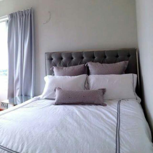 Chesterfield Queen Bed Frame & Mattress