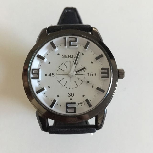 Cool Men Alloy Quartz Wrist Watch