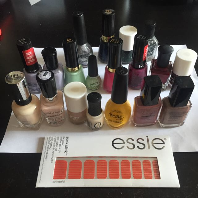 Lot Of 19 Nail Polishes + Essie Nail Appliqués!