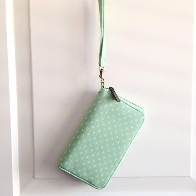 Mint-Coloured Wristlet