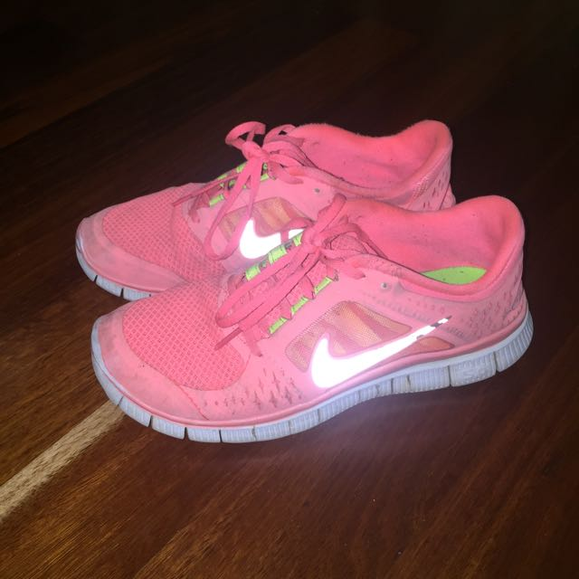 Nike Free Run Pink (will fit a US7) Sneakers
