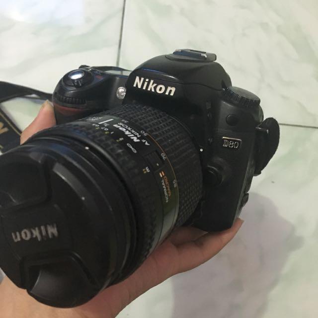 Nikon D80 + Lensa Nikon 28-105mm