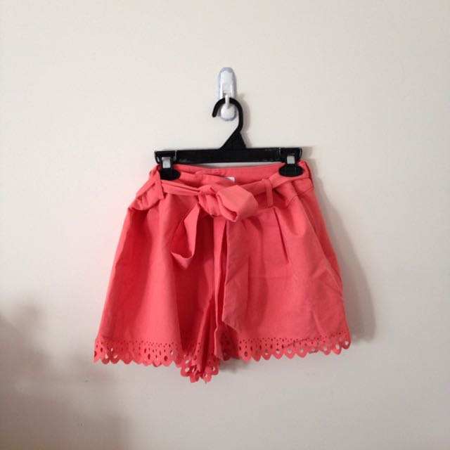 peach bow shorts