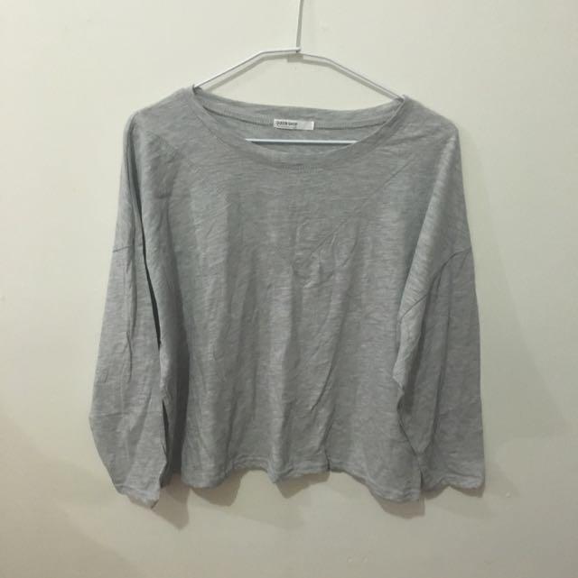 Queen Shop 灰色短版長袖上衣