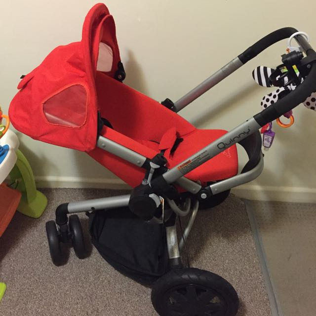 Quinny Buzz Pram With Bassinet