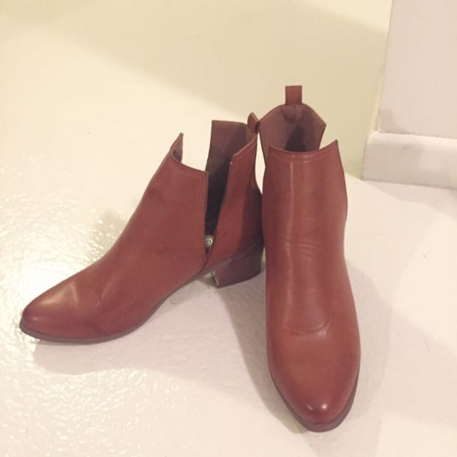 Rubi Boots Sz 40 EU