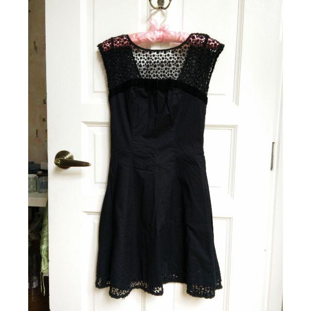 (SOLD) Warehouse Black Crochet Lace Velvet Bow Detail Dress XS