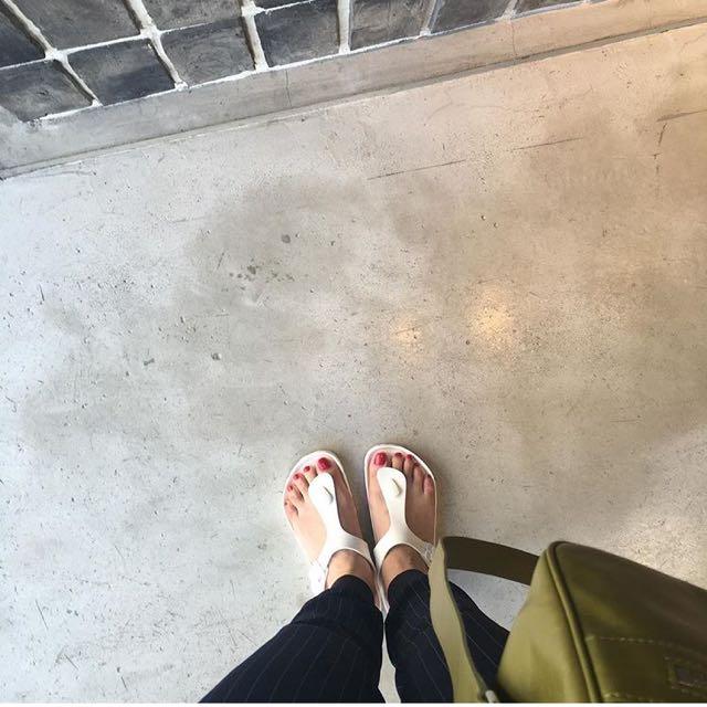 e0dff700a55b White Ladies Birkenstock Gizeh Eva Sandals Slip On Sandals
