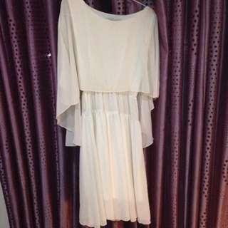 Dress Putih Chiffon