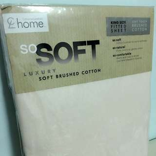 Soft Brushed Cotton King Size Fitted Sheet *FREE Hotel Robe x 2*
