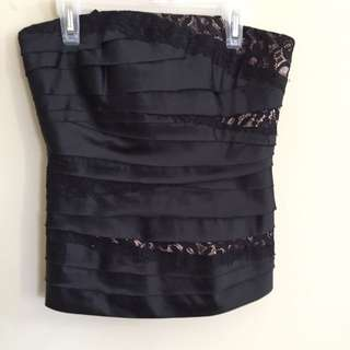 LE CHATEAU CORSET LIKE NEW