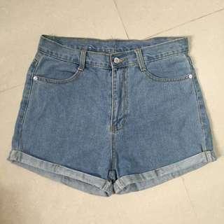 淺藍反摺短褲