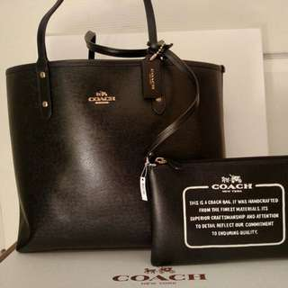 Coach Black Tote Size With Pouch