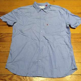 LEVI'S shirt in size L