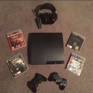 PlayStation 3 320GB Console + Games + Headset